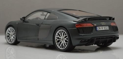 โมเดลรถ โมเดลรถเหล็ก โมเดลรถยนต์ Audi R8 V10 2017 grey 4
