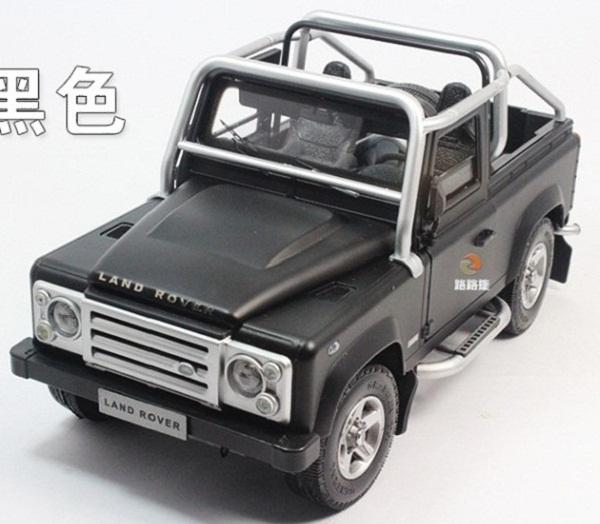 โมเดลรถ โมเดลรถเหล็ก โมเดลรถยนต์ Land Rover Defender SVX black 1