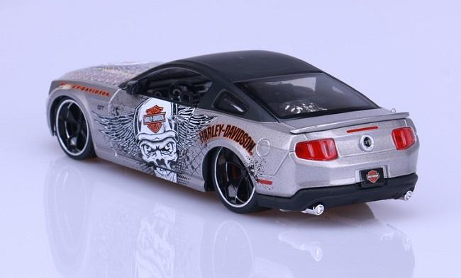 โมเดลรถ รถเหล็ก โมเดลรถเหล็ก โมเดลรถยนต์ Ford Mustang 2011 4