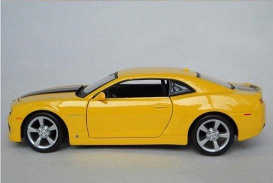 โมเดลรถ โมเดลรถยนต์ รถเหล็ก chevrolet Camaro RS 2010 3