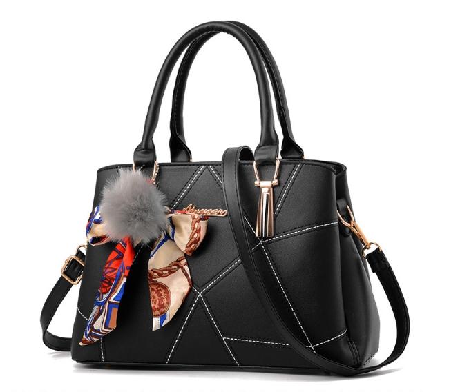 [ พร้อมส่ง ] - กระเป๋าแฟชั่น ถือ/สะพาย สีดำสุดหรู ทรงตั้งได้ ดีไซน์สวยเรียบหรู ดูดี งานหนังคุณภาพ เหมาะทุกโอกาสการใช้งาน