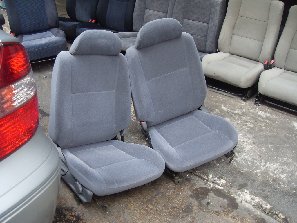 Nissan Sunny B14 SUPER SALOON เบาะNissan B14 นิสสัน ซันนี่่ B14 สีเทา ลายเกล็ดปลา ใส่รถนิสสัน เซนทร่า SENTRA B13 ได้ ขาตรงกัน ราคาตามข้างล่างเป็นราคาต่อคู่นะครับ