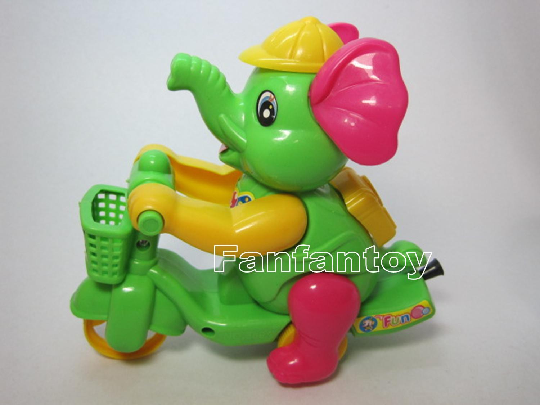 ช้างขี่จักรยานเชือกดึง สีเขียว