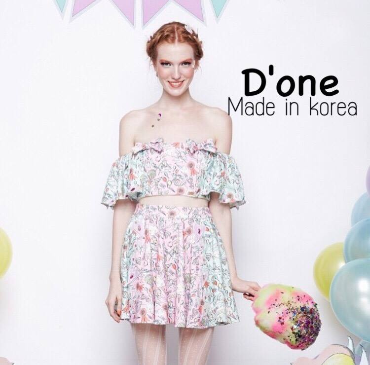 เสื้อผ้าเกาหลี พร้อมส่ง Set เสื้อเปิดไหล่+กระโปรง Bichalai