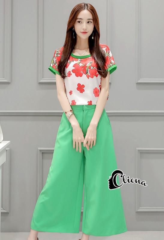 เสื้อผ้าเกาหลี พร้อมส่ง Freshy Red Floral Line Top + Apple Green Pant Set