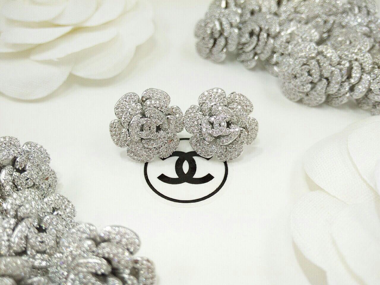 พร้อมส่ง ต่างหู ดอกคาเมเลีย Chanel งานhiend
