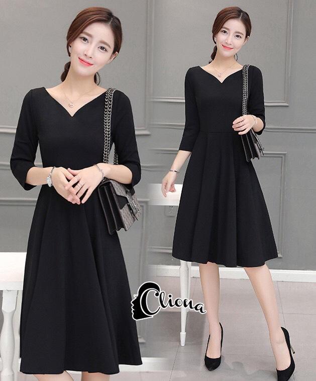 ชุดเดรสเกาหลี พร้อมส่งClassic Long Sleeves Black Dress