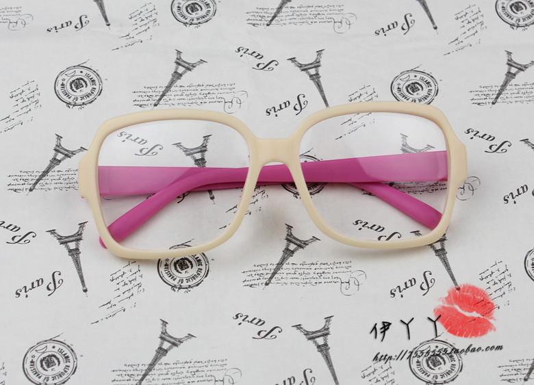 แว่นตาแฟชั่นเกาหลี กรอบเบจขาชมพู (พร้อมเลนส์)