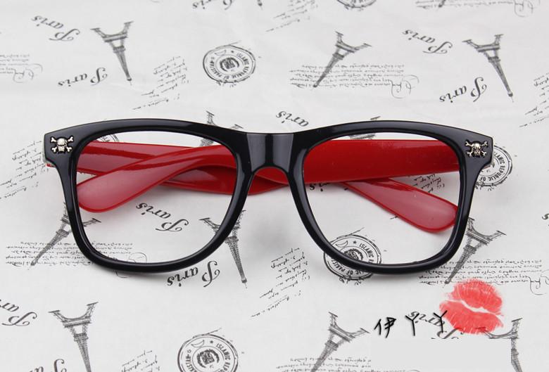 แว่นตาแฟชั่นเกาหลี กระโหลกดำแดง (ไม่มีเลนส์)