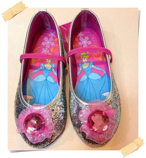 รองเท้าคัชชู ซินเดอเรลล่า วิ้งๆ สีเงิน