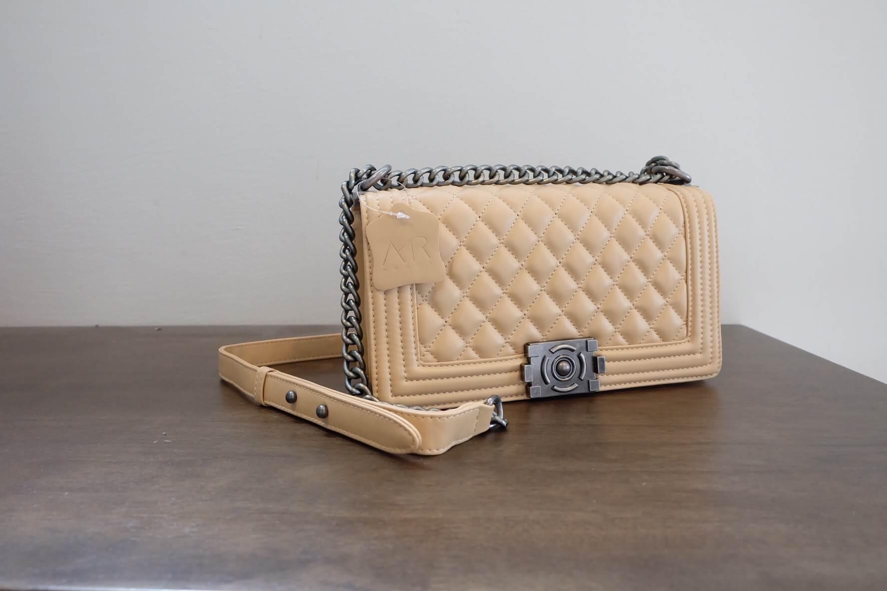 กระเป๋า Amory chain large shoulder bag สีครีมทรง Chanel สวยหรูมากค่า กับกระเป๋าทรงยอดฮิต