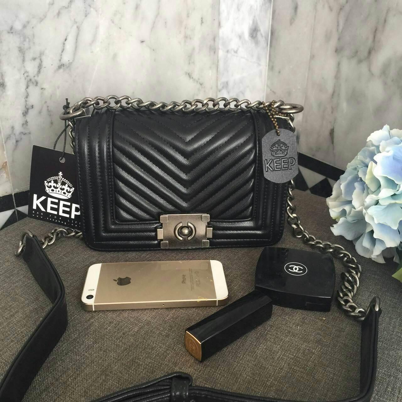 กระเป๋า Keep chain medium shoulder bag ราคา 1,490 บาท Free Ems