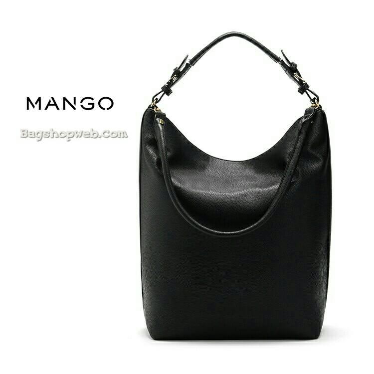 กระเป๋าหนัง ดีไซน์คลาสิค New Collection ยี่ห้อ MANGO แท้ พร้อมส่ง ที่ไทย รุ่น Leather Tote Bag ขนชอปไทย ที่ออกแบบอย่างลงตัว สวยพอดีตัว ด้วยหนัง PU มันเงา หนา ใช้งานได้ยาวนาน ทนแน่นอนค่ะ รุ่นนี้ออกแบบเรียบๆ ไว้ไปงานสำคัญ สายดีไซน์แบบเข็มขัด พร้อมส่ง สีดำ
