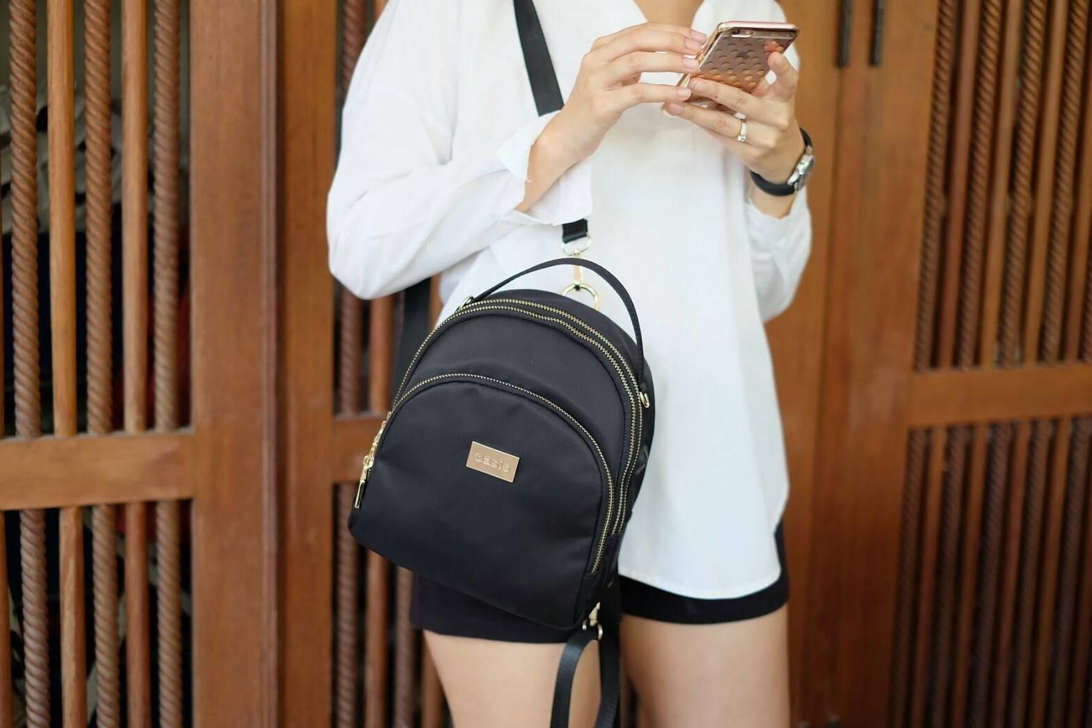 กระเป๋าเป้ OASIS ทรงน่ารักมากๆๆๆ รุ่นพิเศษ ช่องซิป 3 ช่องใหญ+สายยาวถอดได้