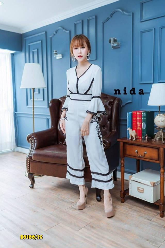 E00100 จั๊มสูท ขายาว คอวี ผ้ามอสเครป