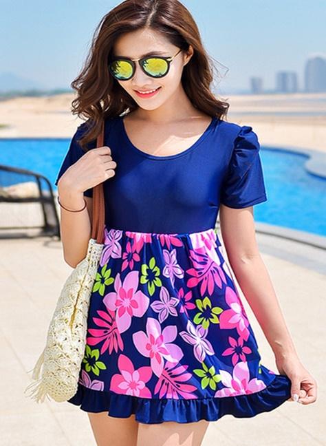 ชุดว่ายน้ำคนอ้วนพร้อมส่ง :ชุดว่ายน้ำสีน้ำเงินแต่งลายดอกไม้สีชมพูสีสันสดใสแบบเก๋ กางเกงขาสั้นใส่ด้านในน่ารักมากๆจ้า:มีSize 3XL,5XL รายละเอียดไซส์คลิกเลยจ้า