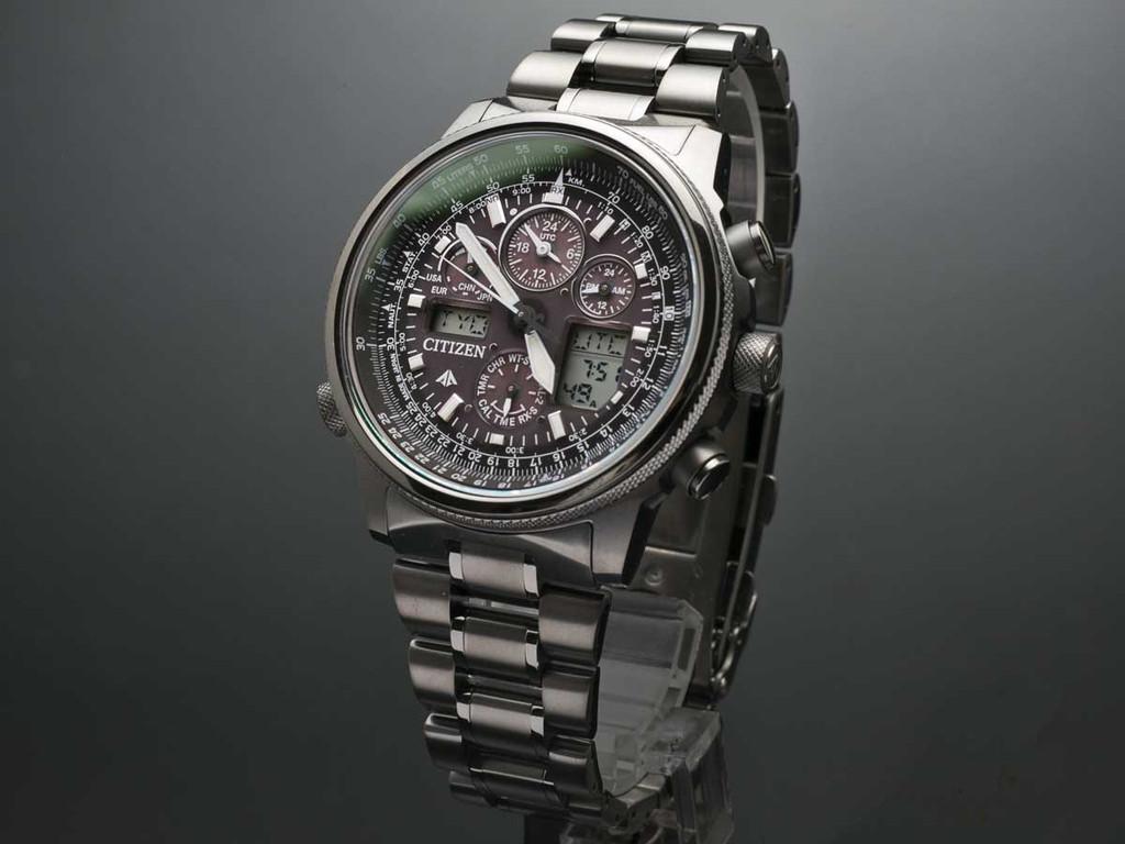 นาฬิกาข้อมือผู้ชาย Citizen Eco-Drive รุ่น JY8025-59E, Promaster SKY Titanium Atomic