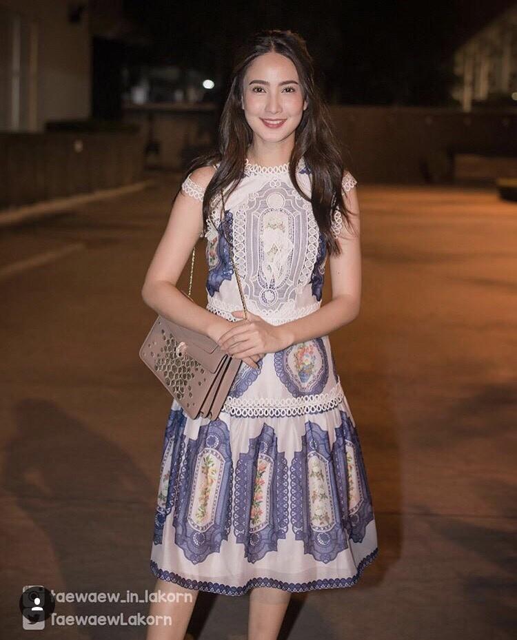 เสื้อผ้าแฟชั่นเกาหลี Normal Ally Present D.S.Y new collection dress