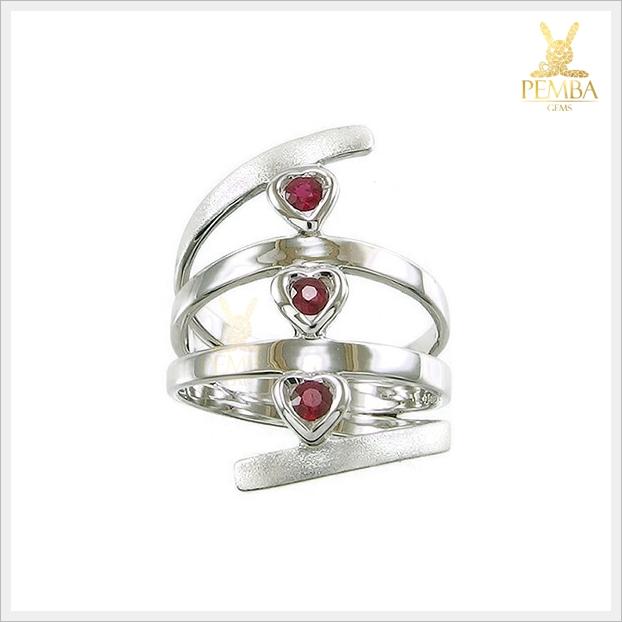 แหวนทับทิมแท้ ดีไซน์สุดเก๋ ใส่ติดนิ้วน่ารักๆ ได้ทุกวัน