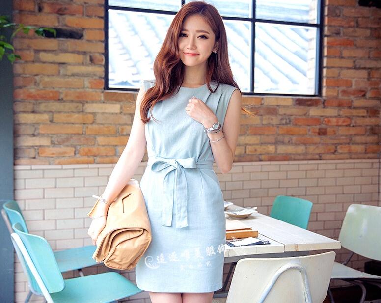 ชุดเดรสสั้นสีฟ้า แขนกุด ทรงตรงเข้ารูป สวย น่ารัก สไตล์เกาหลี