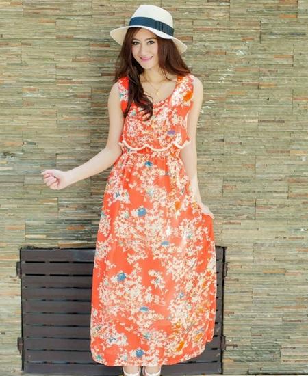 ชุดเดรสยาวสีส้มลายดอกไม้ อกแต่งระบาย แขนกุด สไตล์โบฮีเมียนสวยๆ น่ารักๆ