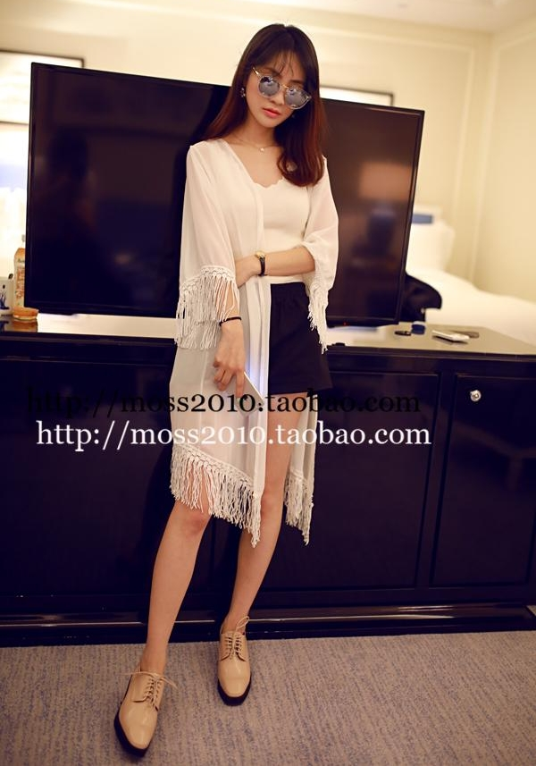 เสื้อคลุม แขนสั้น ผ้าไนล่อน แต่งพู่ สีขาว