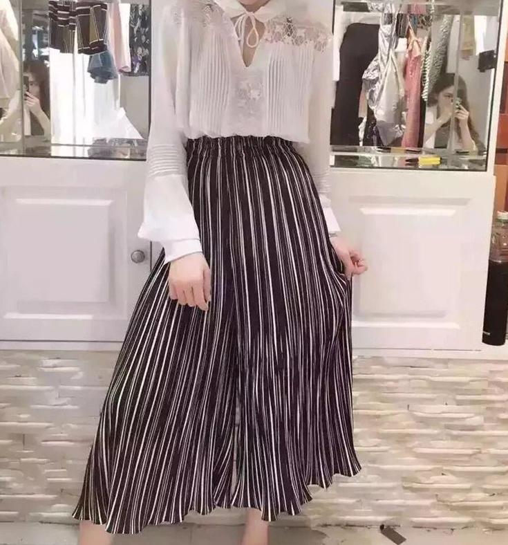 กางเกงแฟชั่น ขายาว ลายทาง สีดำ (สินค้าจริงปลายขาเรียบ)