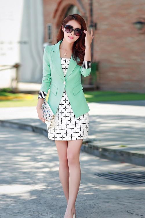 เสื้อสูทแฟชั่น เสื้อสูทผู้หญิงสีเขียวมิ้น แขนยาวพับลายทางเก๋ๆ คอปก ทรงเข้ารูป
