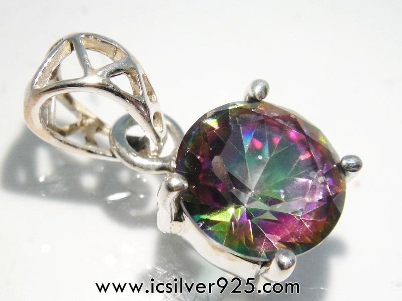 ▽พลอยโทพาซสีรุ้ง (Rainbow Topaz)- จี้เงินแท้ 925 (2g)