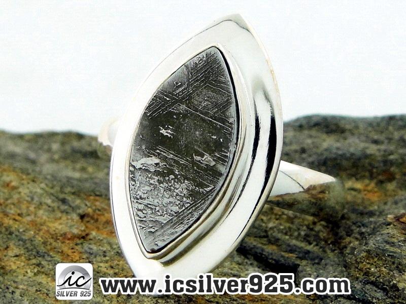 ▽หินดาวตกกีเบียน GIBEON METEORITE-แหวนเงินแท้ 925 (แหวนเบอร์ : 58, 5.1g)