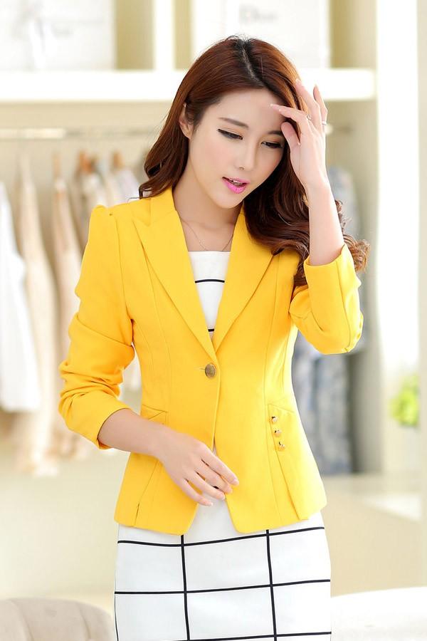 (สินค้าหมด) เสื้อสูทแฟชั่น เสื้อสูทผู้หญิง สีเหลือง แขนยาว ทรงเข้ารูป