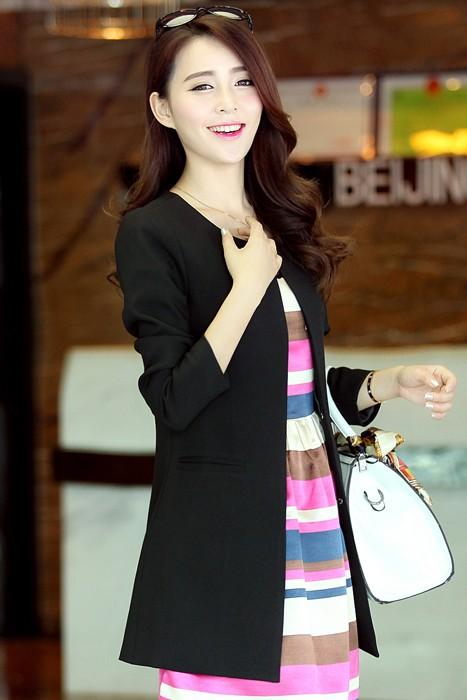 เสื้อสูทแฟชั่น เสื้อสูทผู้หญิง สีดำ แขนยาว คอจีน ตัวยาวคลุมสะโพก แนวเสื้อคลุมเก๋