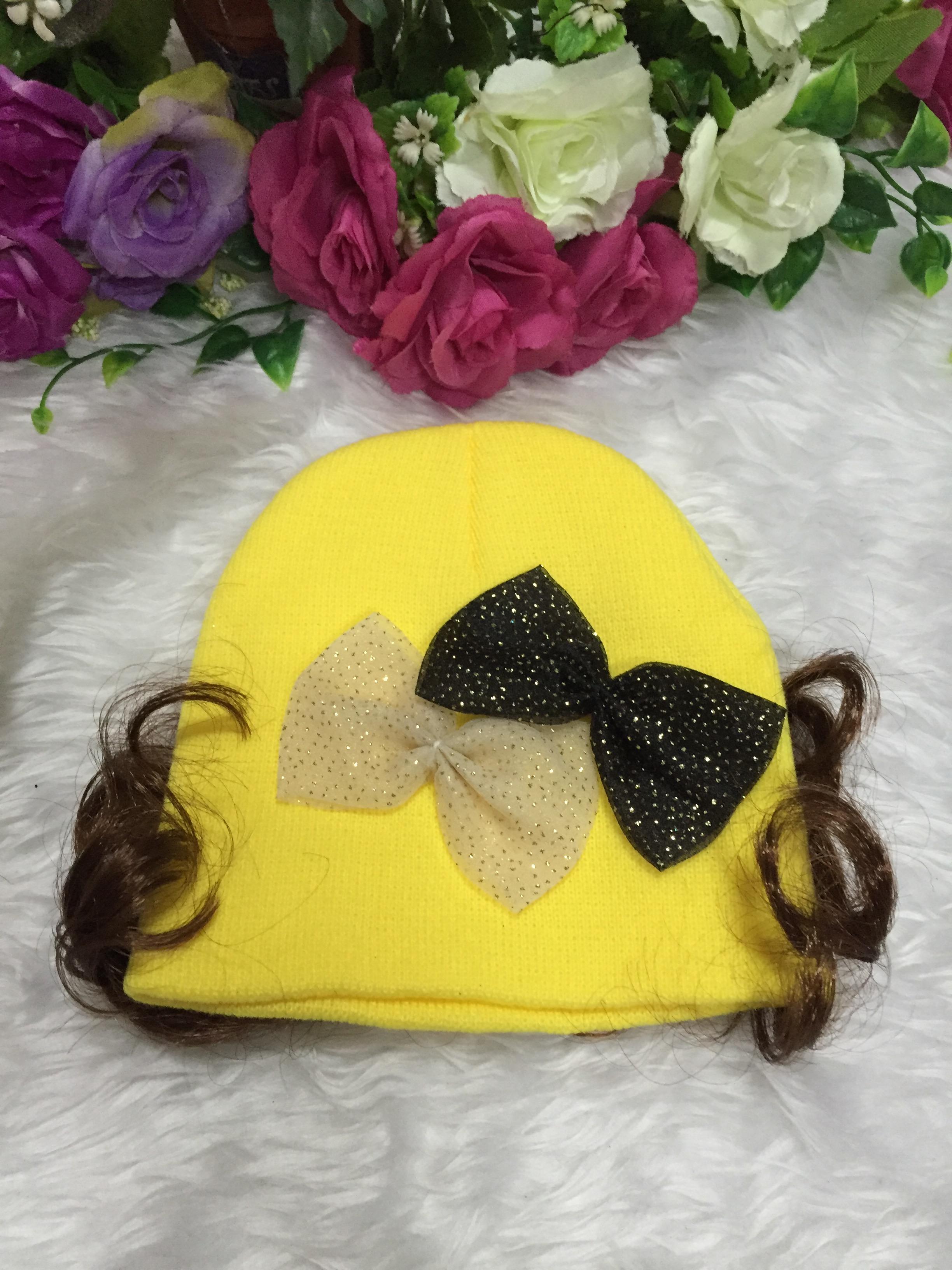 หมวกปอยผม-แต่งโบว์ 2 อัน (ตรงกลางหมวก)