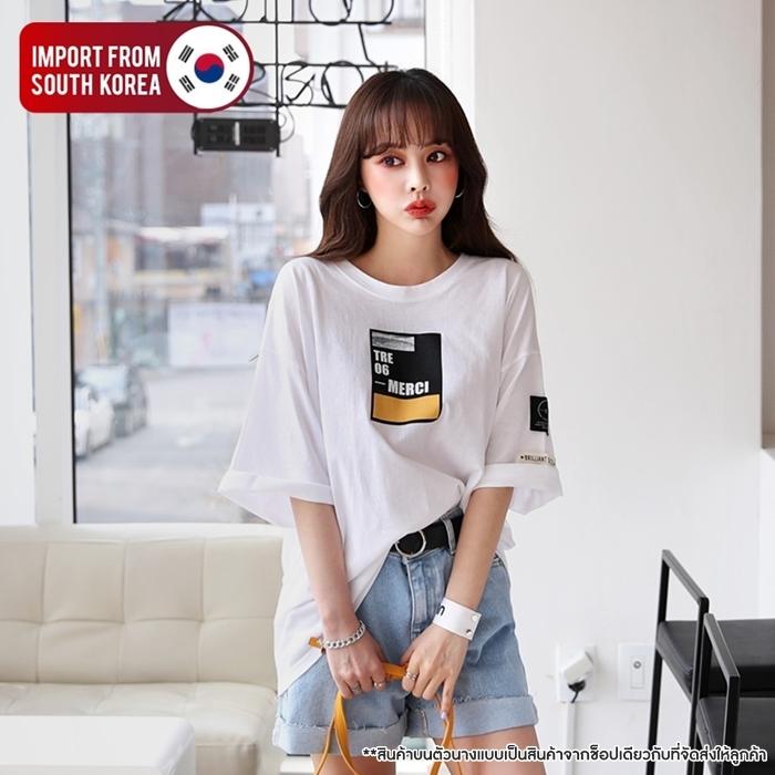 [PRE-KOREA] เสื้อยืดพิมพ์ลาย/เย็บแต่งแท็กแขนสั้น (มีให้เลือก 2 สี)