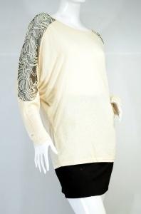 SUGAR LIPS เสื้อยืดแขนยาวเป็นผ้ายืดผสมซีทรูที่บ่า-แขน สีเนื้อ (เบจ)