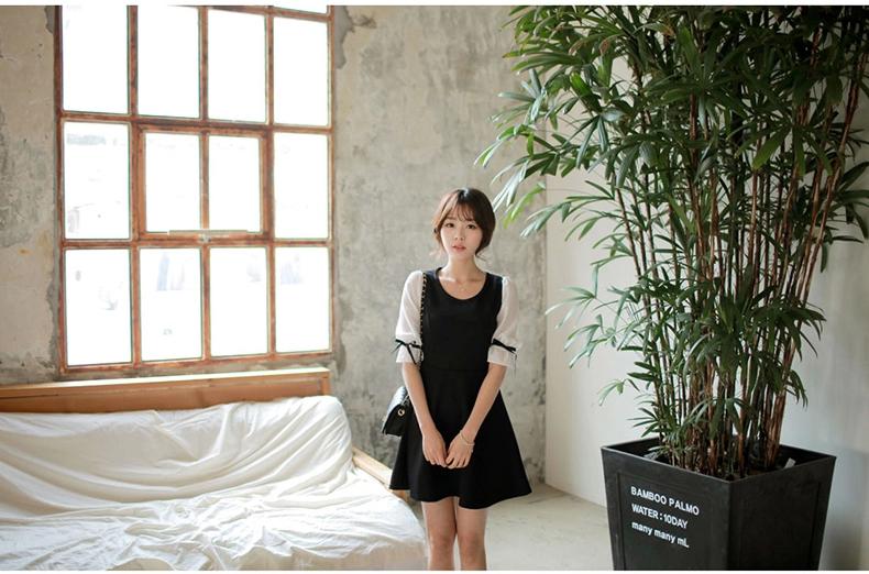 ชุดเดรสแฟชั่นเกาหลีสีกรมแขนสั้นคอกลม