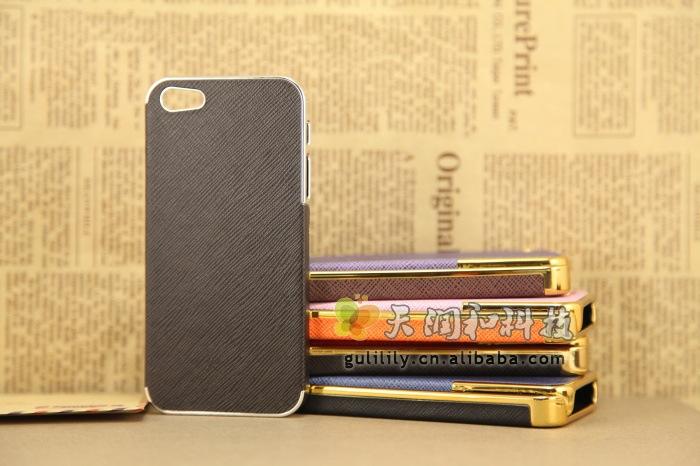 เคสขอบทองลายหนัง (เคสแข็ง) - iPhone5