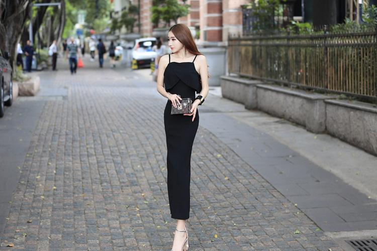 ชุดเดรสแฟชั่นเกาหลียาวสีดำน่ารักๆ