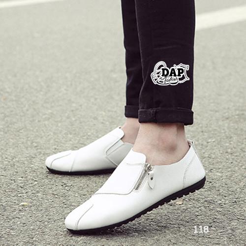 รองเท้าแฟชั่นผู้ชาย สไตล์ Boat shoes วัสดุจากหนังPU พร้อมส่ง