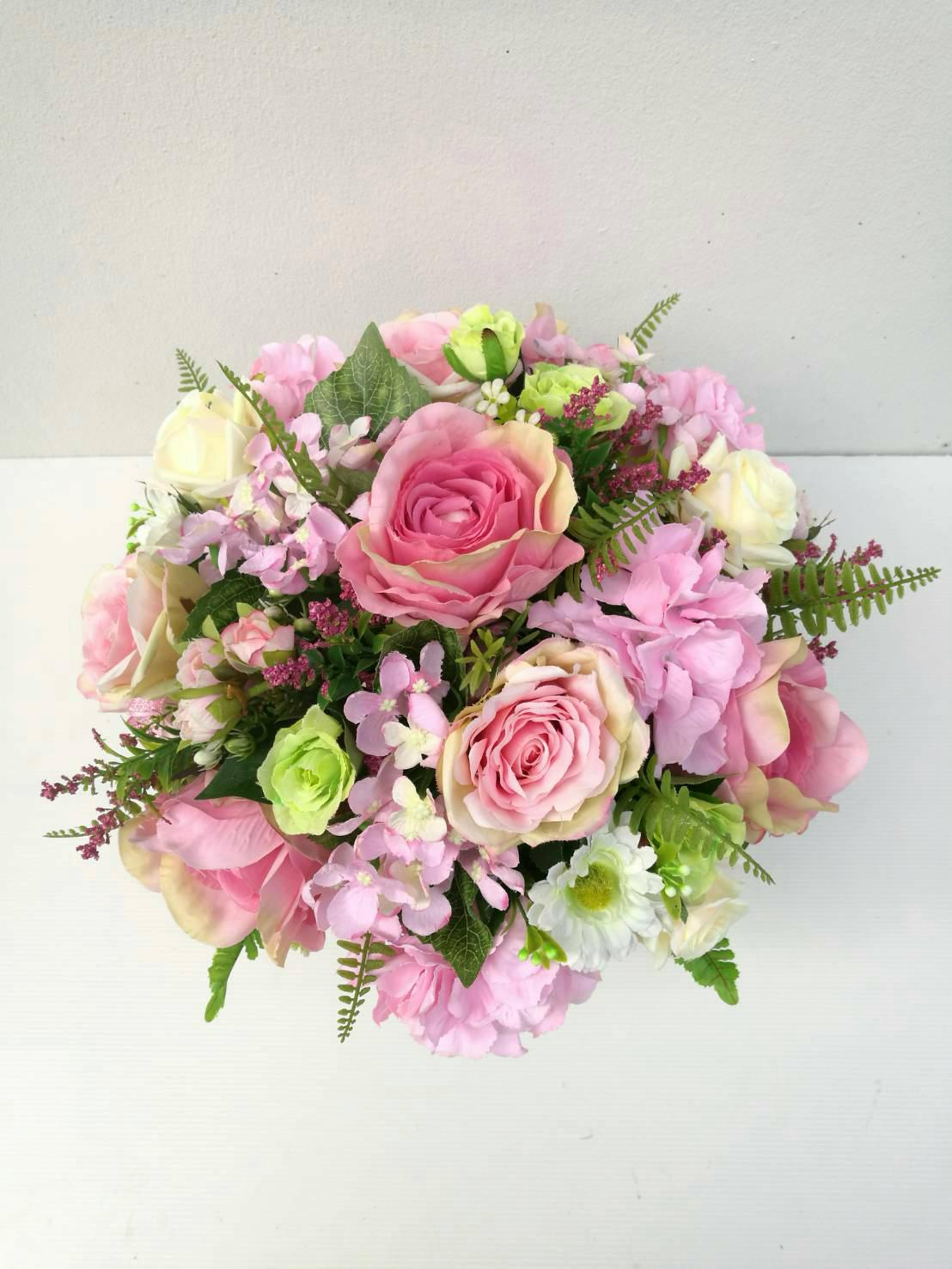 แจกันดอกไม้ประดิษฐ์ทรงกลมโทนชมพู รหัส 3093