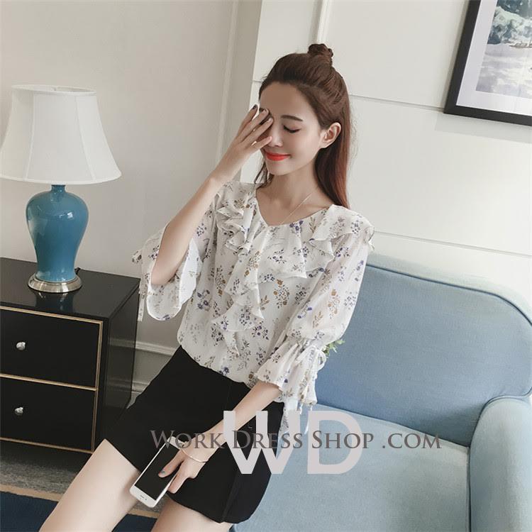 Preorder เสื้อทำงาน สีขาว ช่วงคอและแขนแต่งระบายน่ารัก เนื้อผ้าระบายความอากาศได้ดี