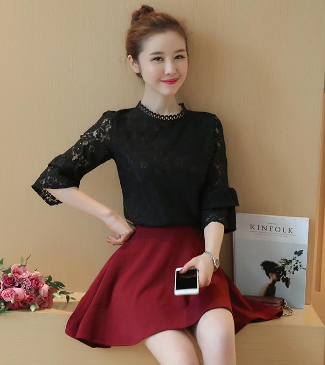 เสื้อแฟชั่นเกาหลี ผ้าลูกไม้ แขนต่อระบาย สีดำ