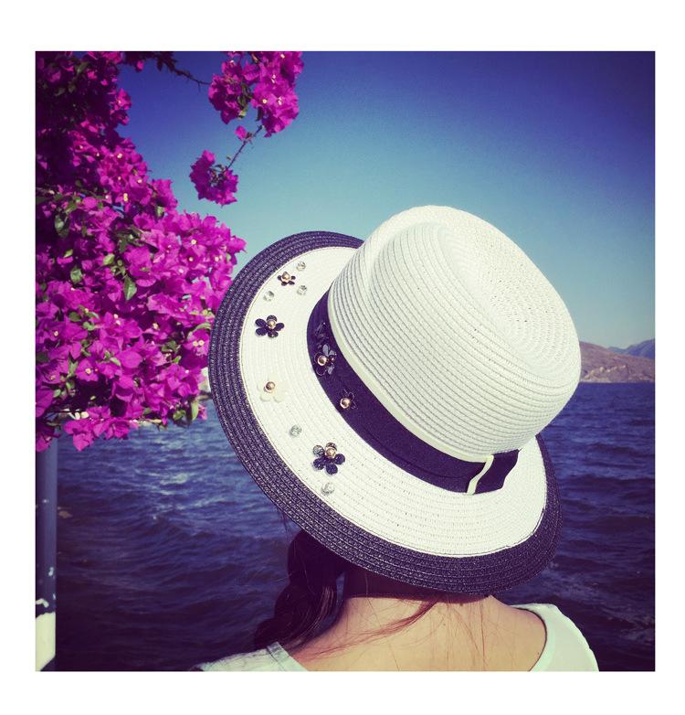 [พร้อมส่ง] H6837 หมวกสานทรงปานามา หมวกไปทะเลสีขาวดำ ตกแต่งด้วยผ้าคาดหมวกและดอกไม้เล็กๆ สไตล์ชาแนล Chanel Style