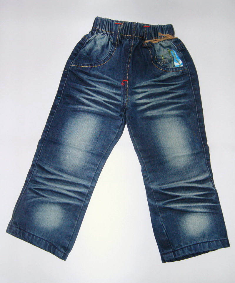 CNJ027 กางเกงยีนส์ เด็กหญิง ขายาว ผ้าฟอกอัดยับ ผ้านิ่มใส่สบาย แต่งลายเก๋ ๆ กระเป๋าหลังสองข้าง ตัวนี้เน้นลายด้านหลัง Size 15/16/17/18