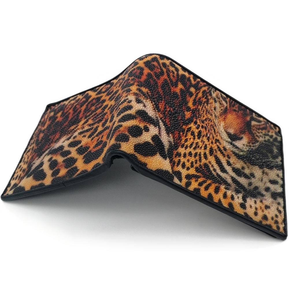 กระเป๋าสตางค์หนังปลากระเบนสองพับสั้นลายเสือดาวสีน้ำตาลอมส้ม