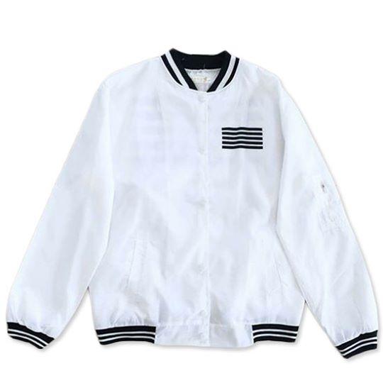 เสื้อแจ็คเก็ตผ้าร่มแขนยาว สีขาว