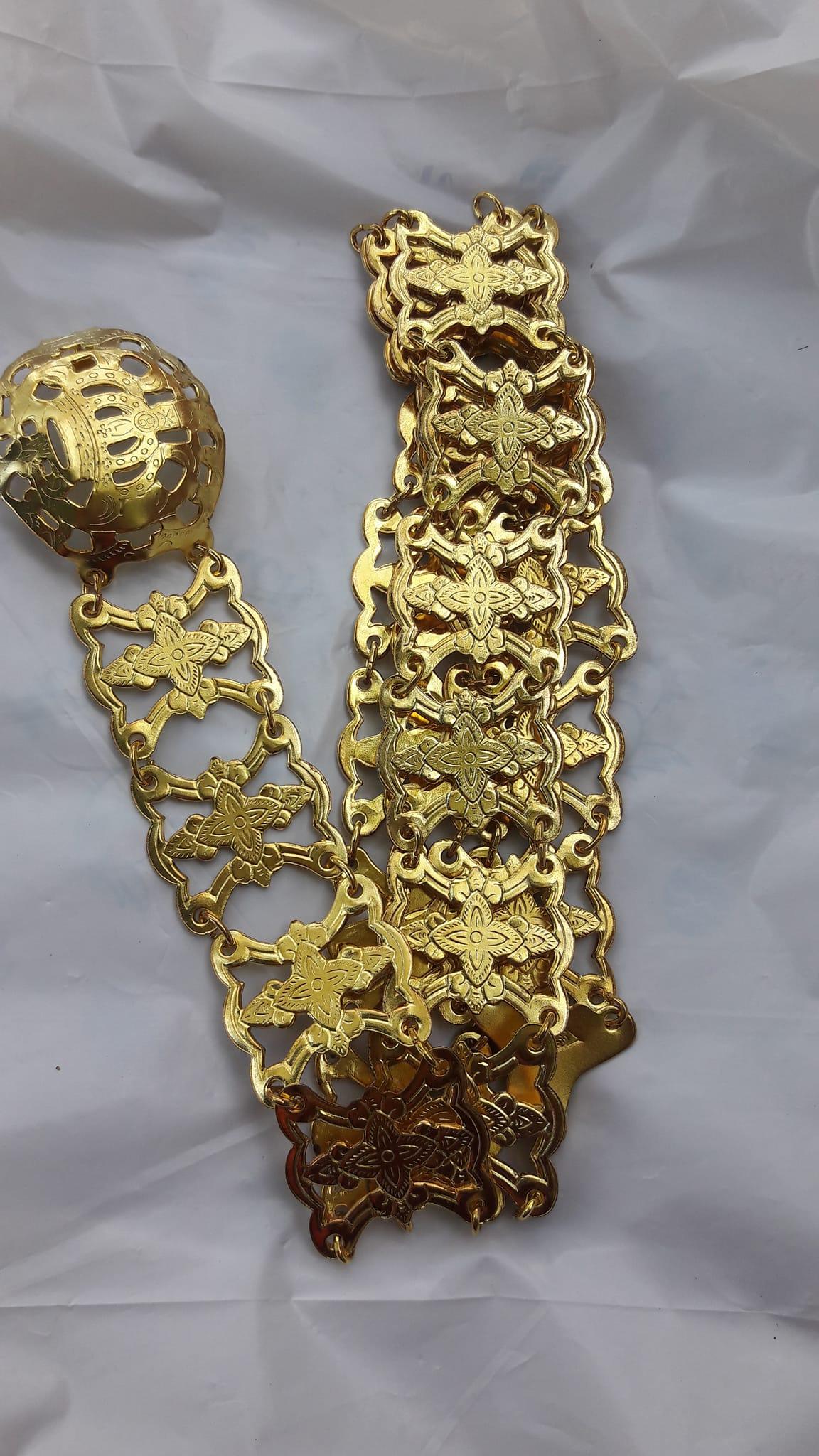 acc_117 เข็มขัดโลหะสีทองลายโบราณ ยาว 45 นิ้ว ราคา 230 บาท
