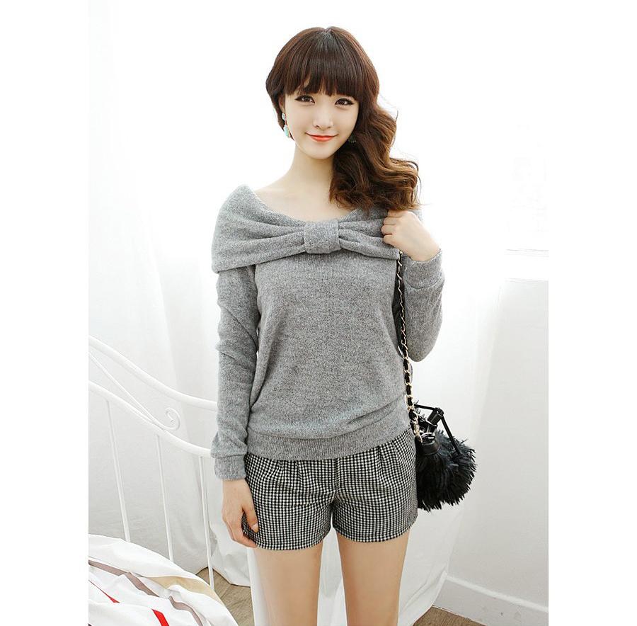 เสื้อผ้าแฟชั่นเกาหลีแต่งเป็นโบวฺ์ด้านหน้ามีปกด้านหลังออกแบบเก๋น่ารักเชียวค่ะมี2สี