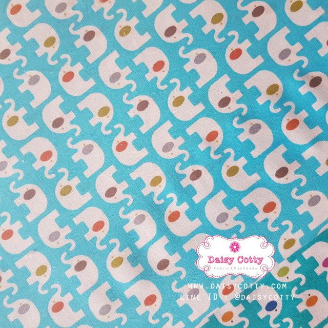 ผ้าคอตตอนไทย 100% 1/4ม.(50x55ซม.) พื้นสีฟ้า ลายช้าง