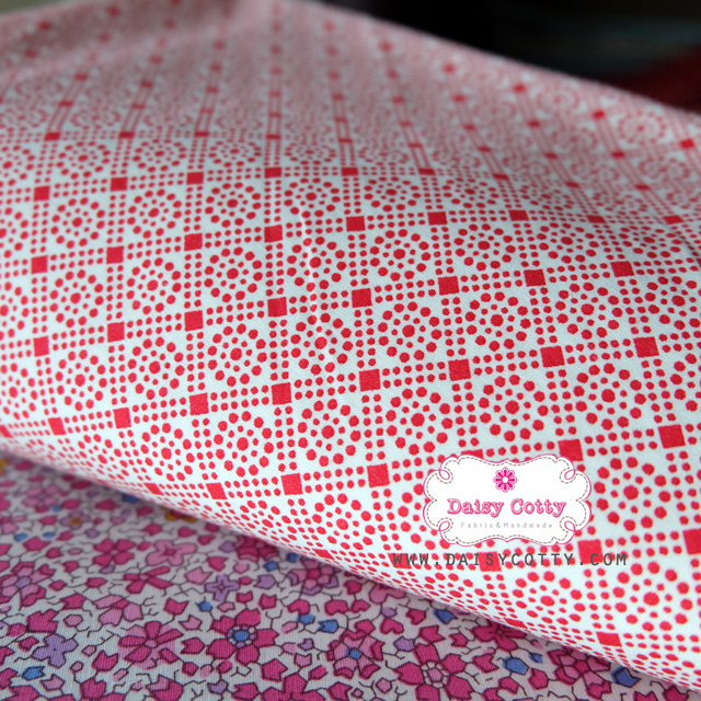ผ้าคอตตอนไทย 100% 1/4 ม.(50x55ซม.) โทนสีแดงขาว